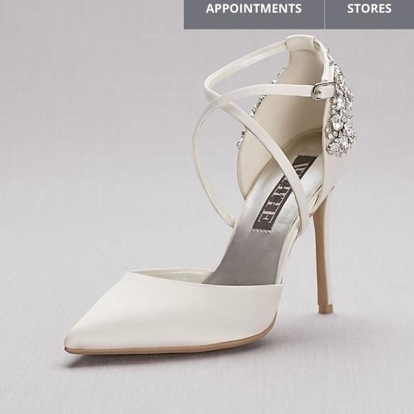 607a600802a0 Vera Wang Shoes